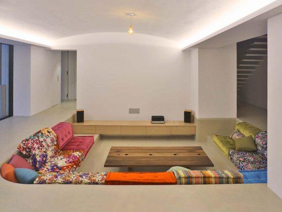 XS House sofa
