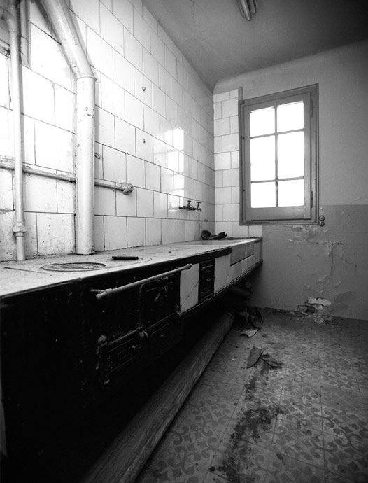 RL-House_under-construction_kitchen